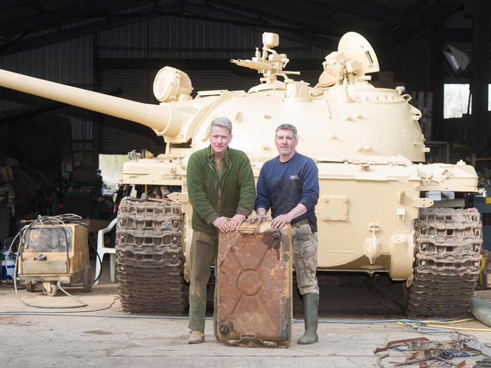 Panzer-Sammler finden 25 Kilo Gold in Tank