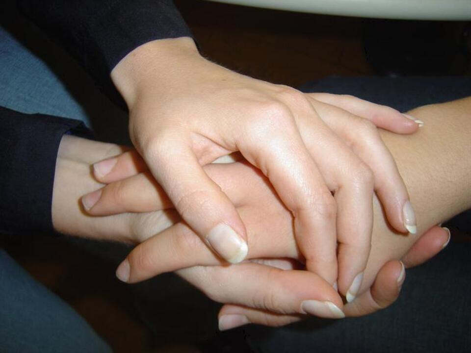 caritas-hospiz-haende