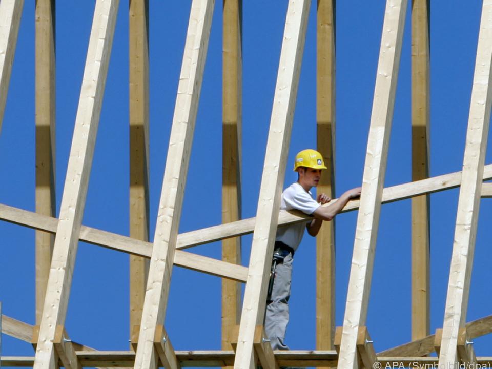 Das BIP stieg im Quartalsabstand real um 0,6 Prozent arbeit baustelle