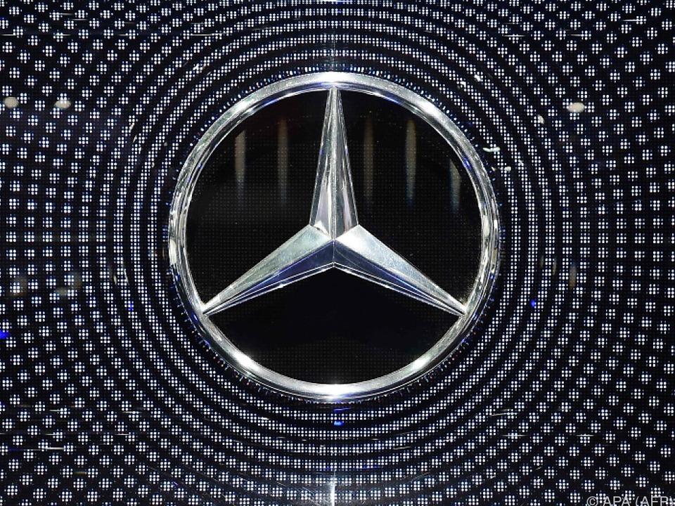 Der Daimler-Motor brummt