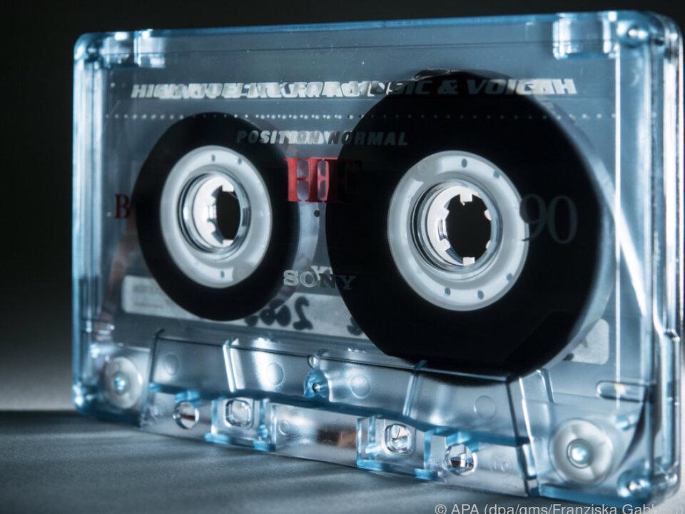Kompaktkassetten neigen zum Bandsalat, bringen aber viele zum Schwärmen