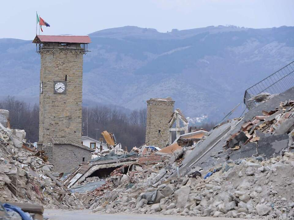 Die Trümmer sind in Amatrice noch immer allgegenwärtig