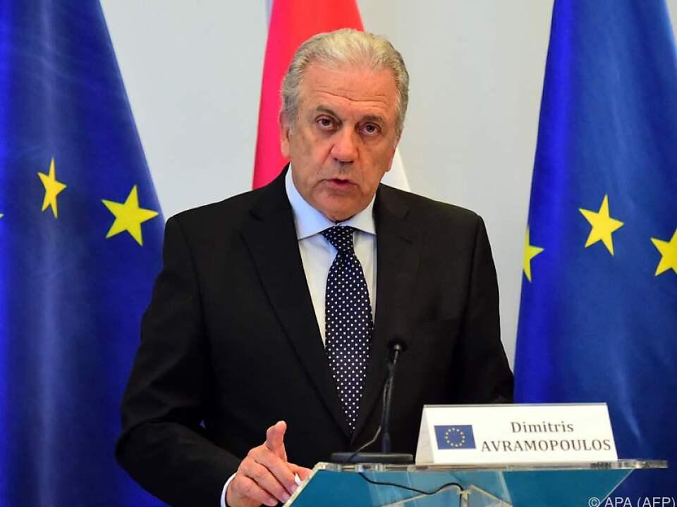 EU-Migrationskommissar Avramopoulos lobt Österreich