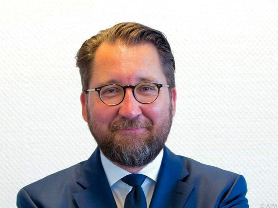 Füllenbach übernimmt Semperit per 1. Juni 2017
