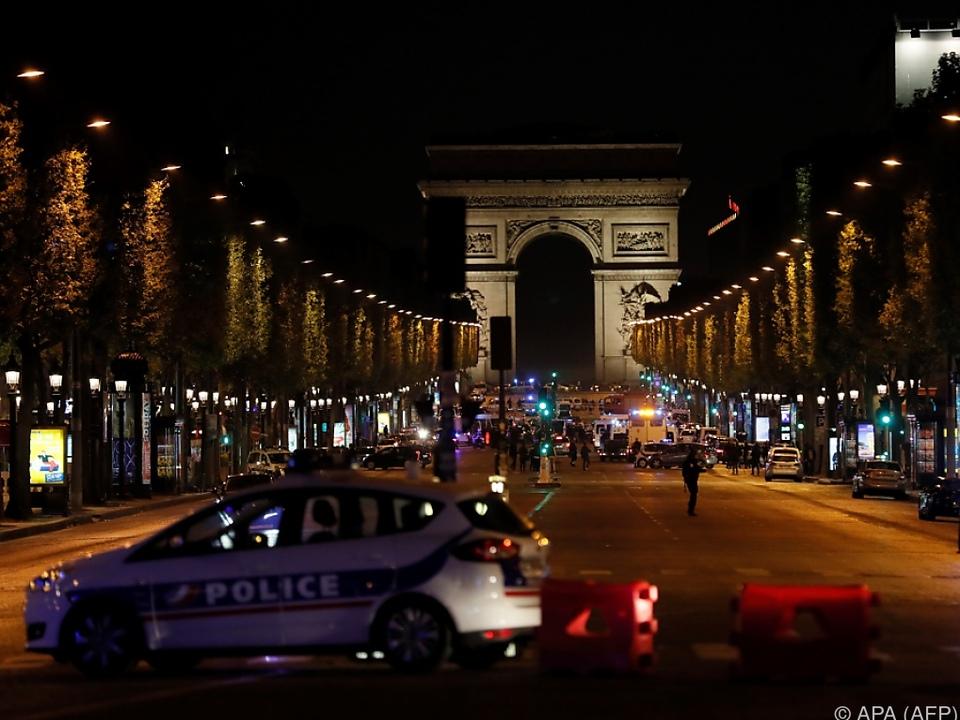 Gewalttätige Szenen auf dem Pariser Prachtboulevard