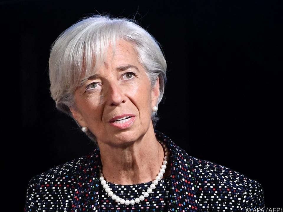 IWF hebt Prognose für globales Wachstum an