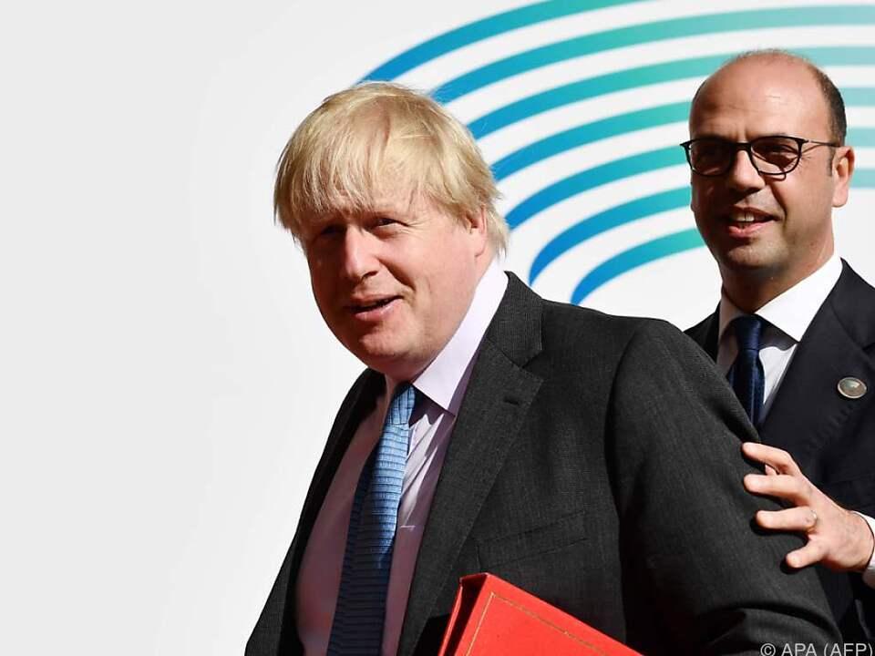 Johnson drohte Russland mit neuen Sanktionen