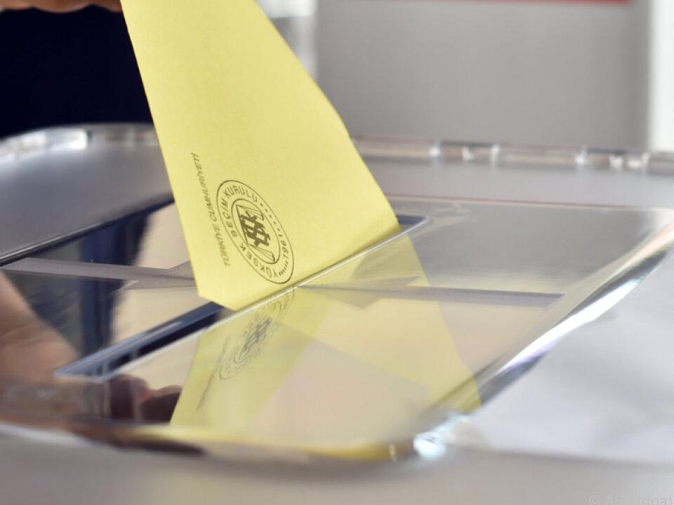 Keine Kontrollmöglichkeiten bei Stimmabgaben im Ausland