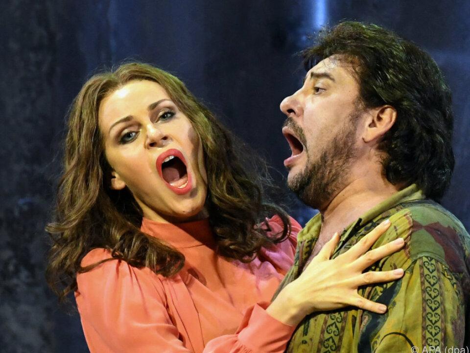 Kristine Opolais und Marcelo Alvarez als Bühnenpaar