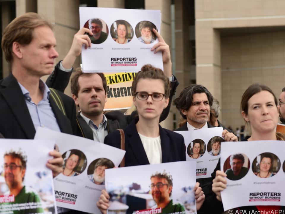 Mehr als 150 Journalisten in der Türkei inhaftiert