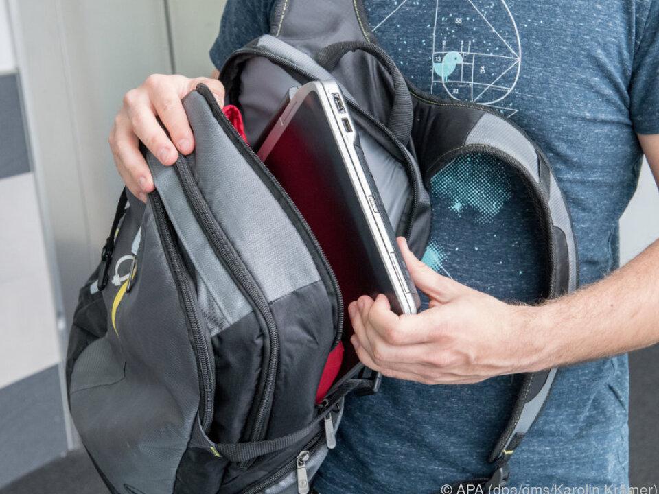 Für weitere Reisen empfehlen Experten einen soliden Notebook-Rucksack