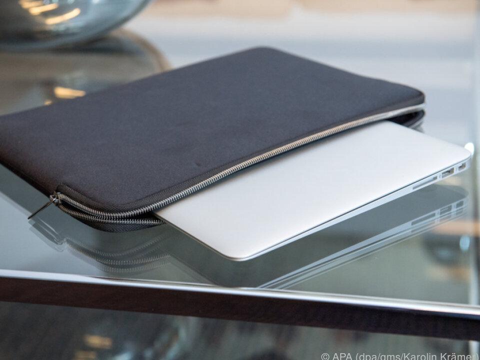 Neopren- oder Lederhüllen für das Notebook schützen vor Alltagsschäden