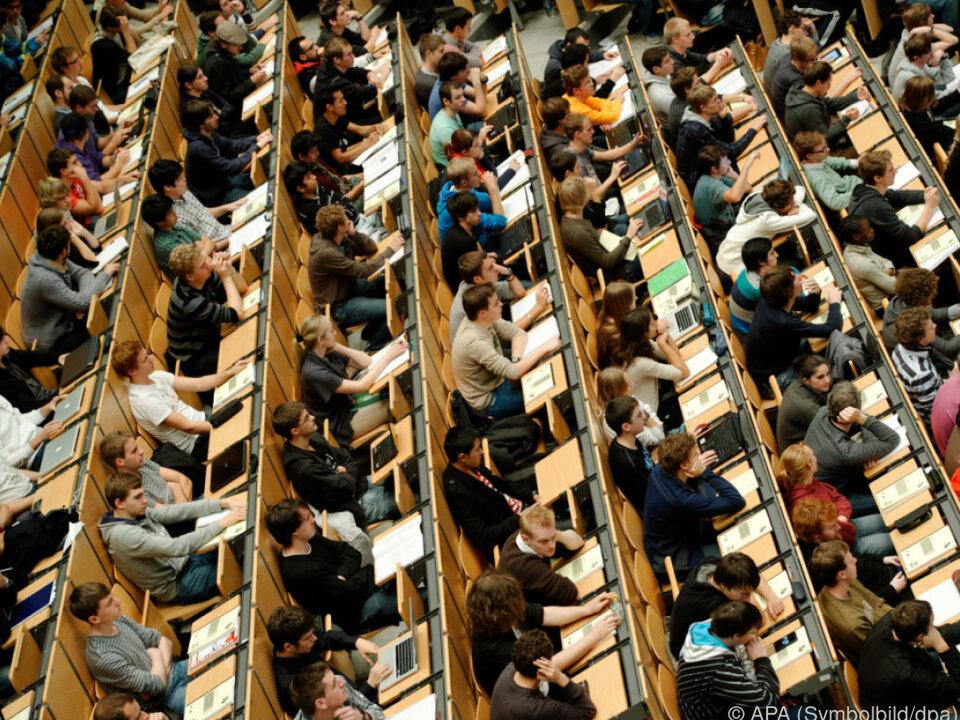 NEOS für nachgelagerte Studiengebühr