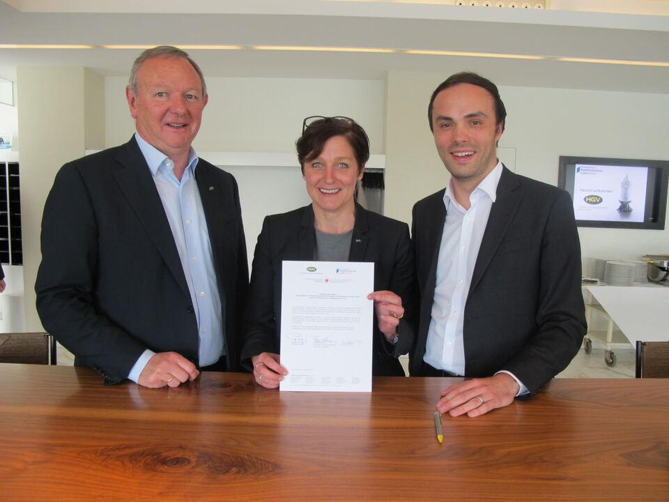 Zusammenarbeit Hotelfachschule Luzern/HGV Präsident Pinzger/LR Achammer