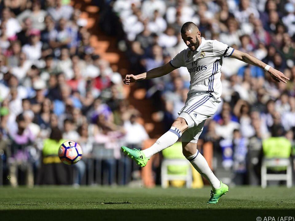 Real Madrid liegt fünf Punkte voran