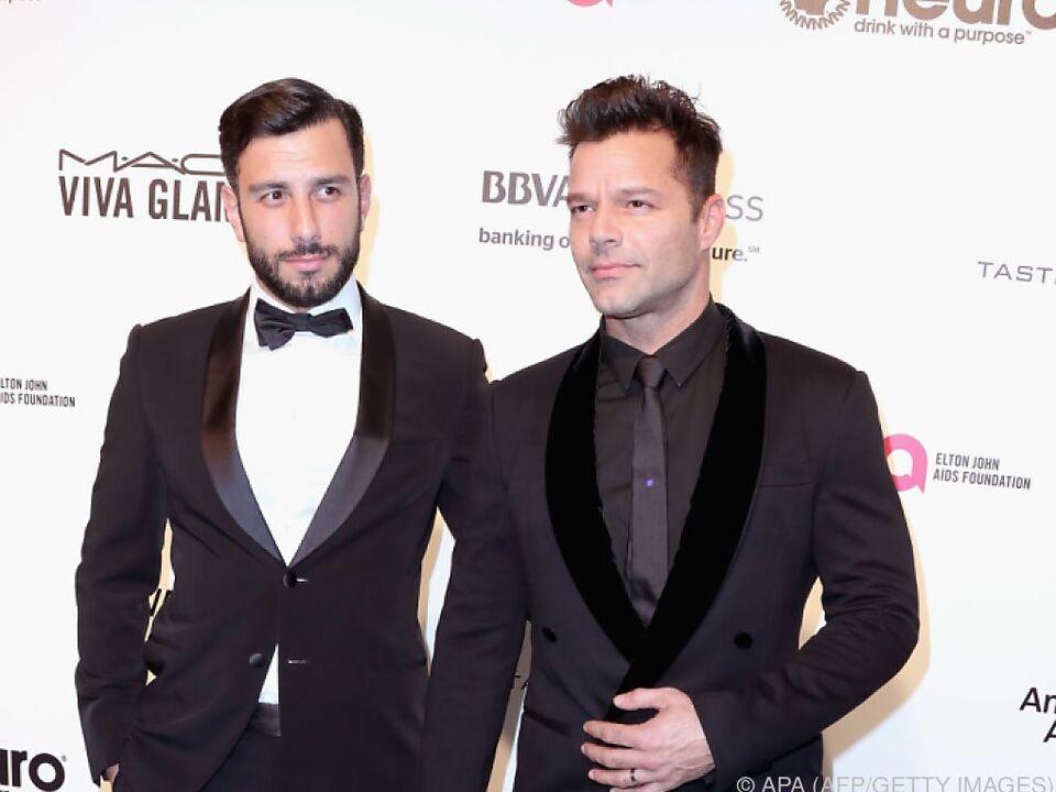 Ricky Martin (r.) ist glücklich mit Jwan Yosef