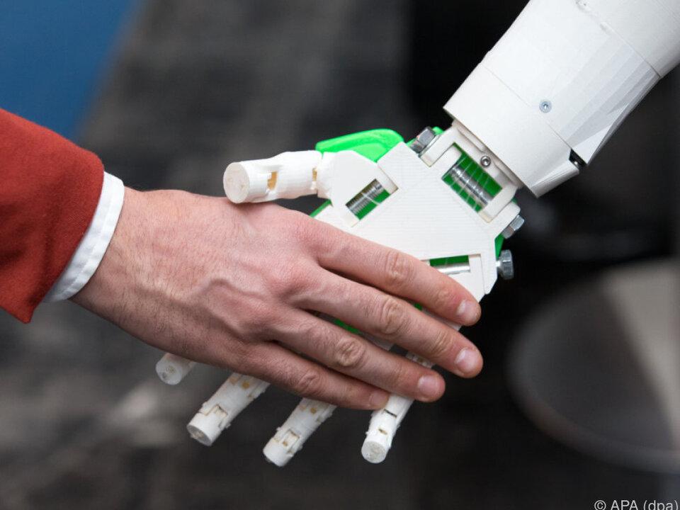 Roboter sollen uns vermehrt zur Hand gehen