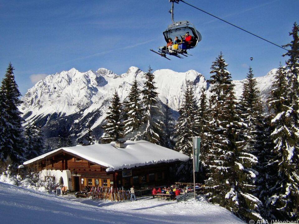 Vor allem ausländische Gäste ließen aus skifahren sym ski lift winter