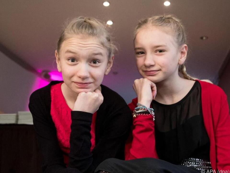 Wer ist wer? Die Zwillinge Mia (r.) und Delphine Lohmann