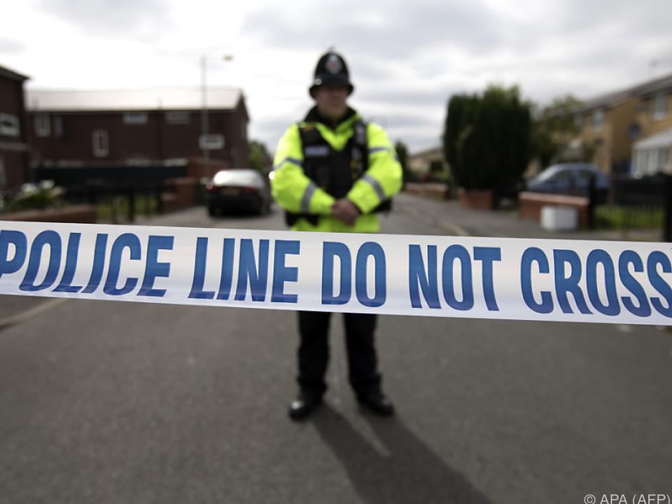 14 Verdächtige im Gewahrsam der Polizei
