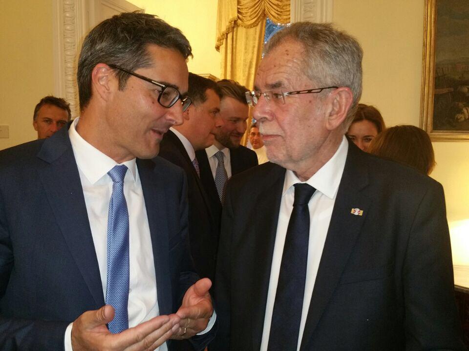 LPA/Landeshauptmann Kompatscher im Gespräch mit dem Österreichischen Bundespräsidenten Van der Bellen in Rom