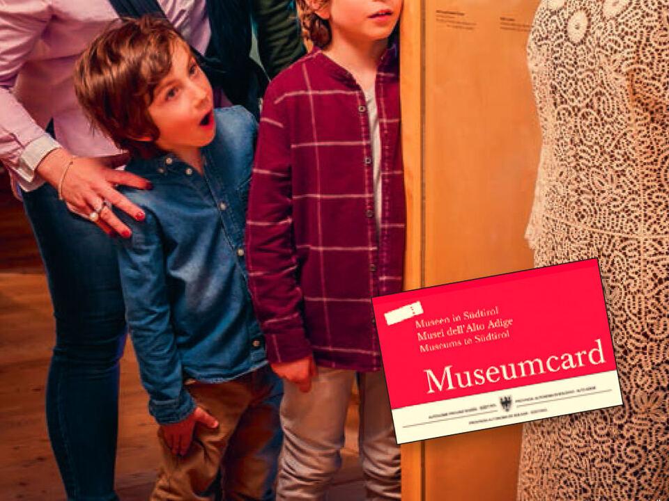 museum_museumcard_titel_innen_außen.indd
