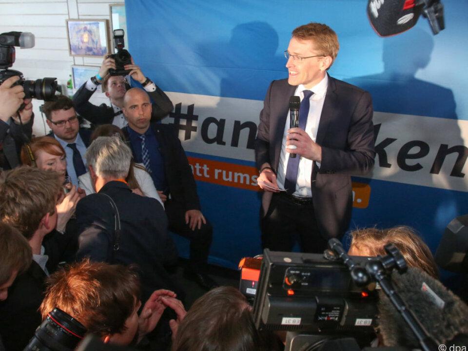 CDU-Spitzenkandidat Daniel Günther freut sich über seinen Erfolg