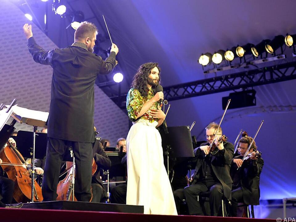 Conchita Wurst und die Wiener Symphoniker