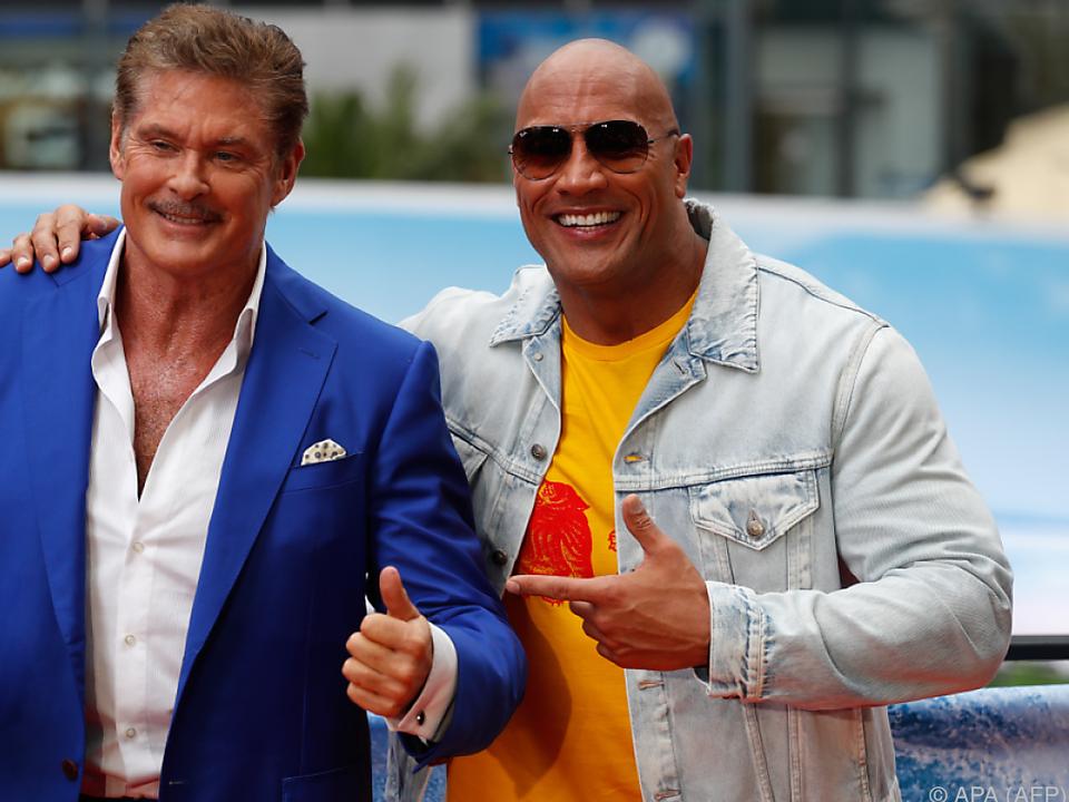 David Hasselhoff und Dwayne Johnson bei der Premiere in Berlin