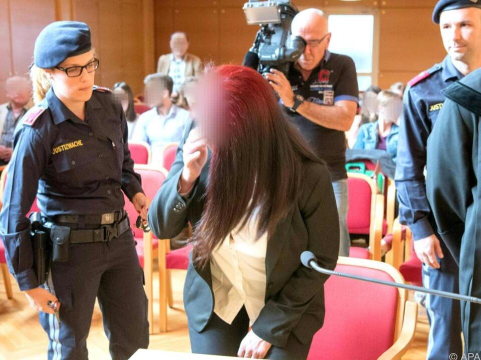 Der Angeklagten wird Mord vorgeworfen
