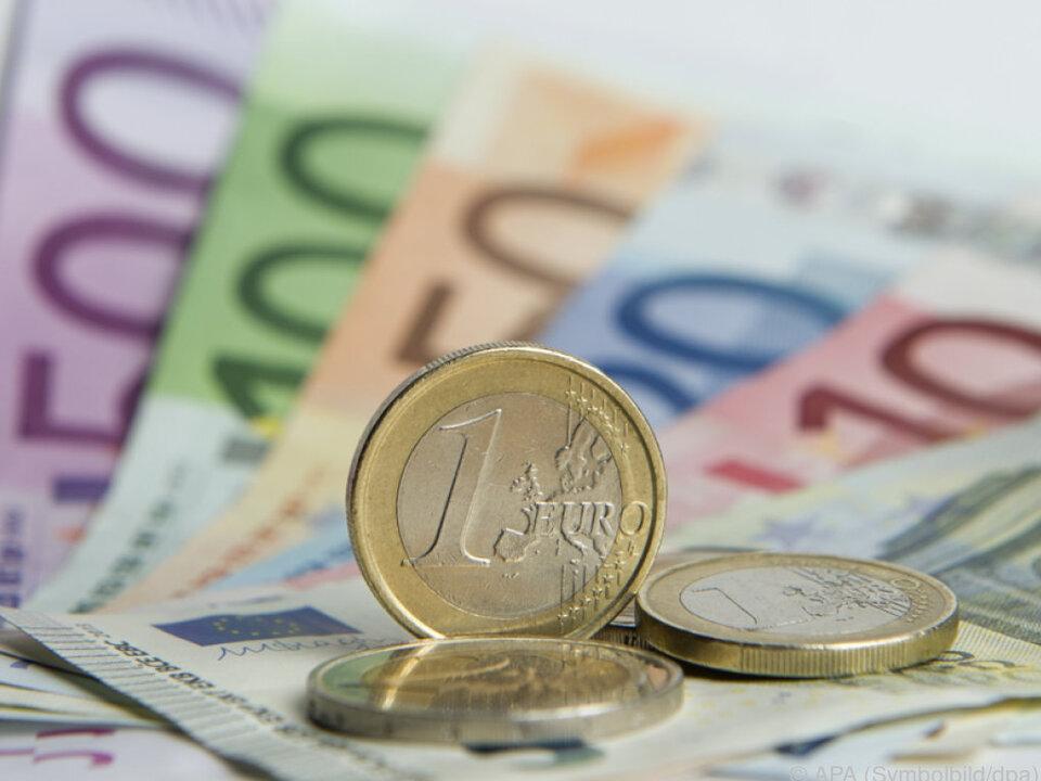 Die angestrebte Kreditsumme liegt im Schnitt bei 74.700 Euro