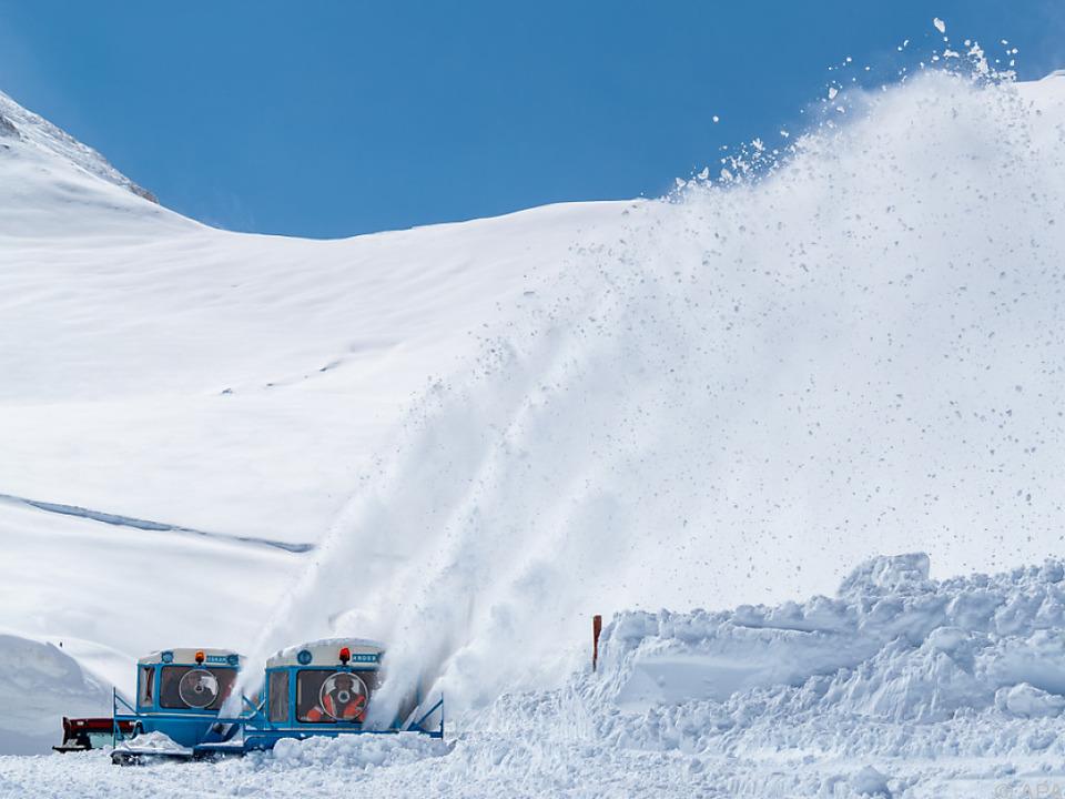 Die Schneeräumung auf der Großglockner Hochalpenstraße ist fast fertig