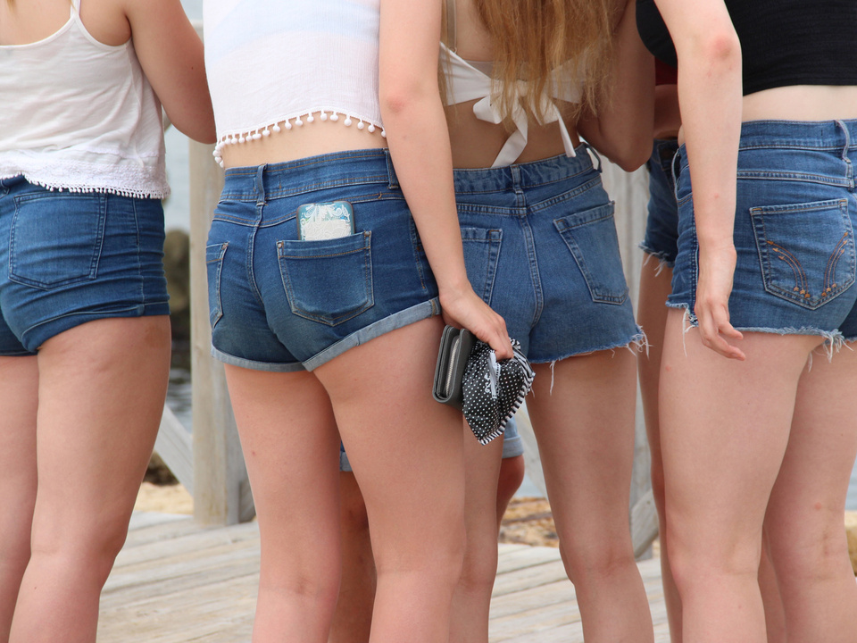 hotpants jugend sexy sommer stadt