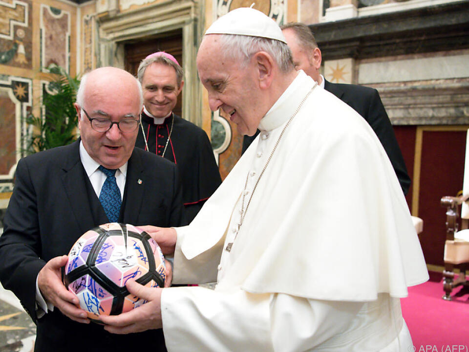 Franziskus ist als Fußballfan bekannt
