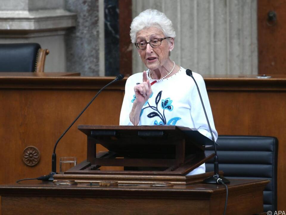 Holocaust-Überlebende Gertrude Schneider sprach im Parlament