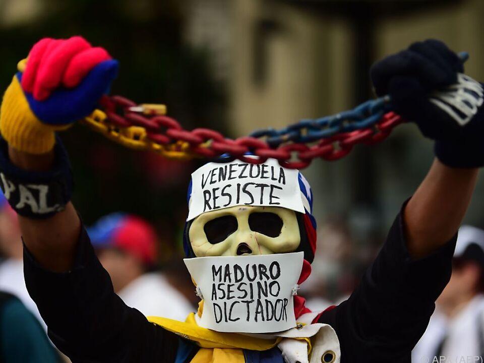 In Venezuela tobt ein erbitterter Machtkampf