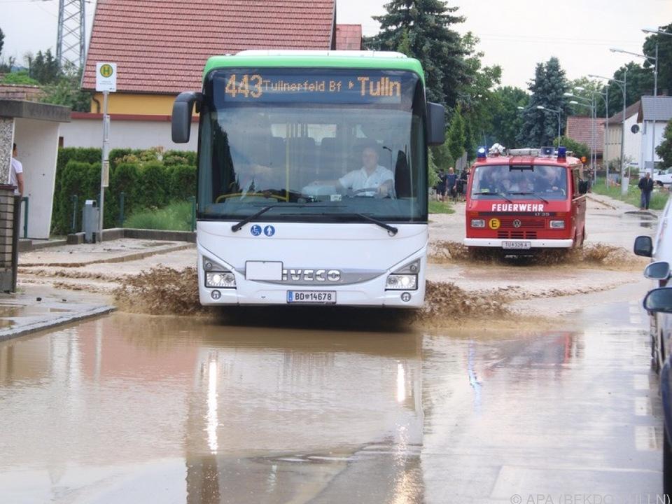 Lokale Überschwemmungen beschäftigten die Feuerwehr