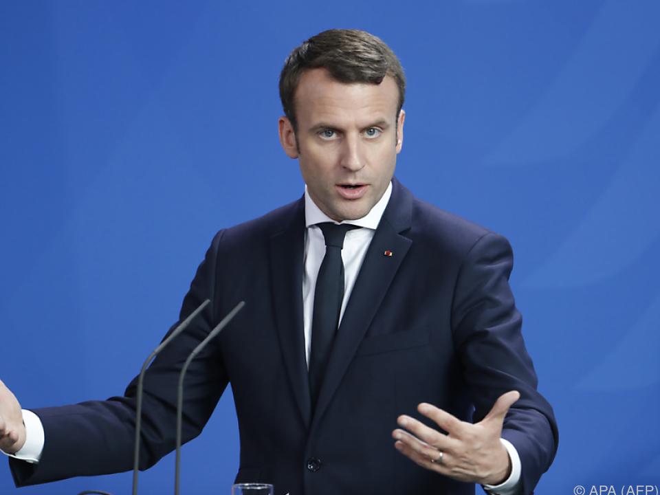 Macron präsentiert sein Regierungsteam