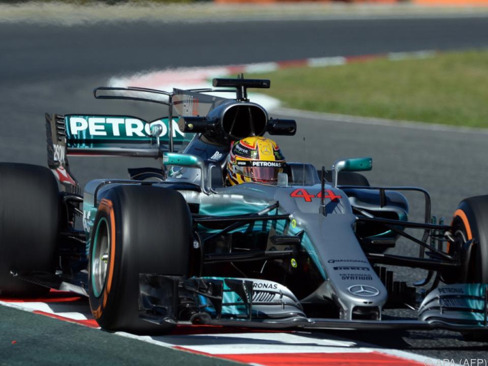 Mercedes gibt in Barcelona den Ton
