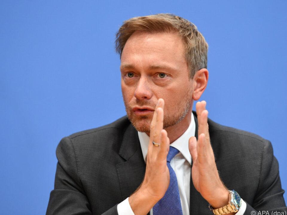 Merkel überlässt der SPD das Spielfeld