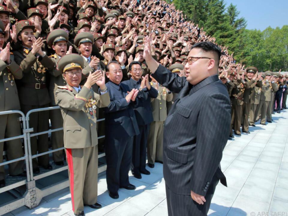 Nordkoreas Führer will weiter militärische Stärke zeigen