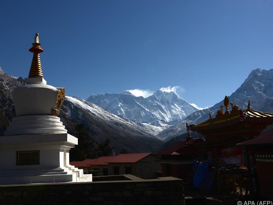 Riskanter Aufstieg auf den Mount Everest