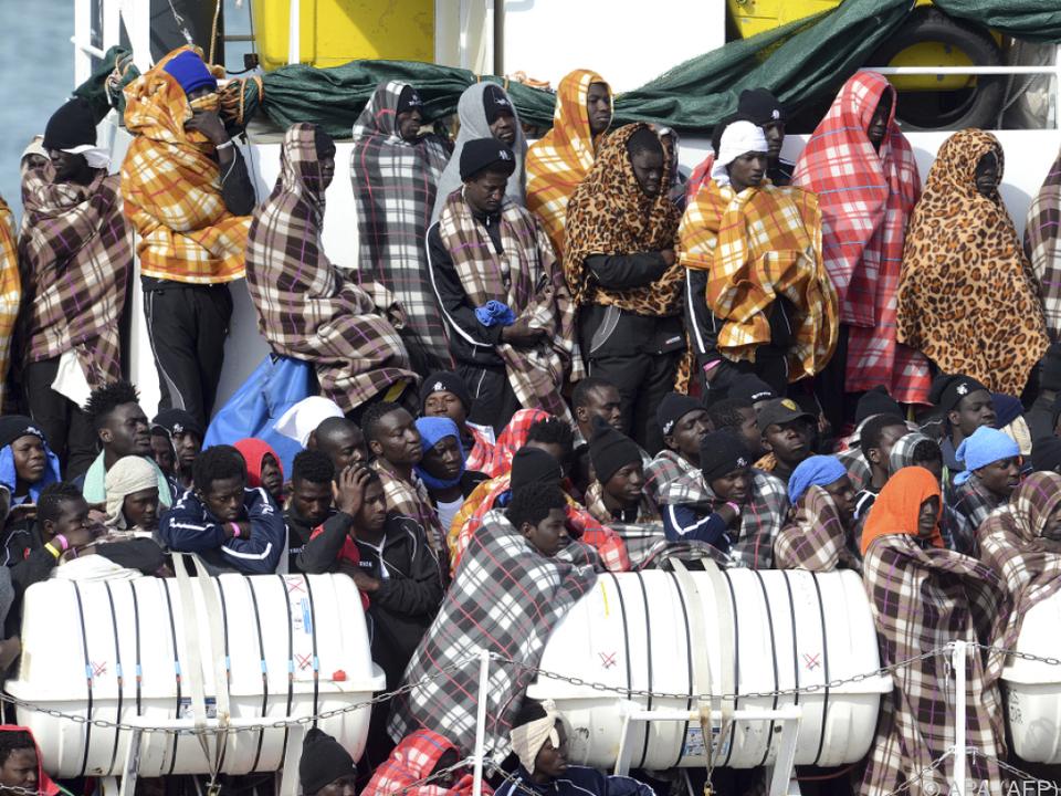 Rund 20 Rettungseinsätze waren nötig flüchtling