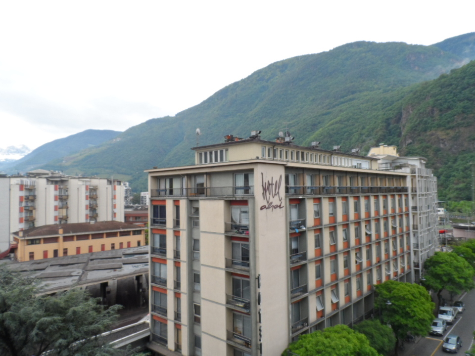 hotel alpi busbahnhof