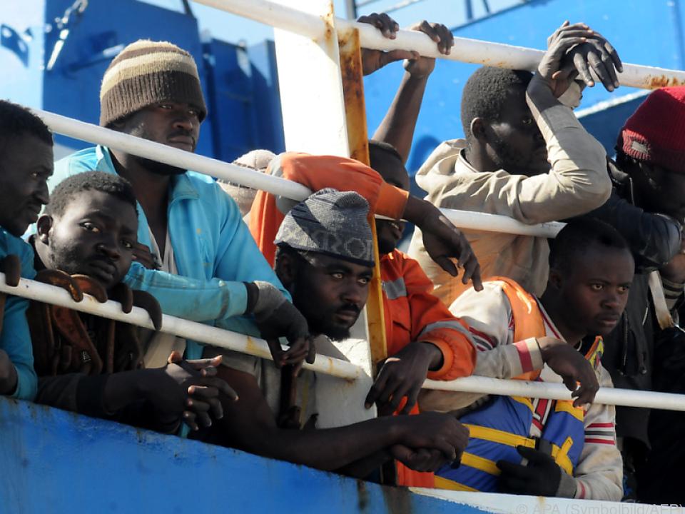 Schiffe von Hilfsaktionen sollen unter Regie der Küstenwache handeln