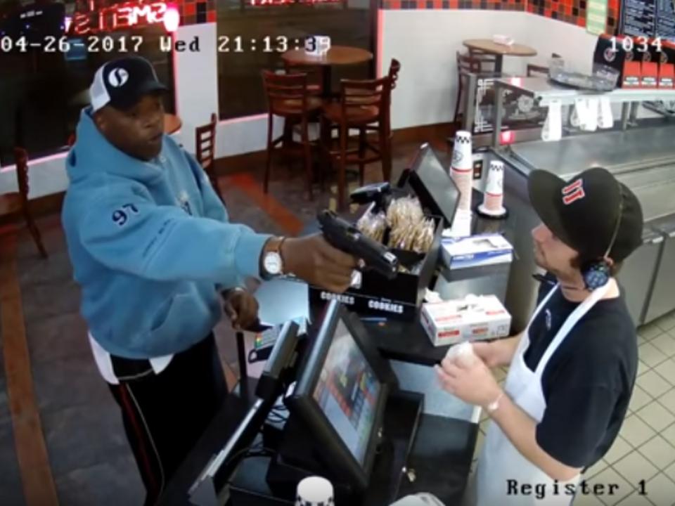 Raubüberfall auf Fast-Food Restaurant