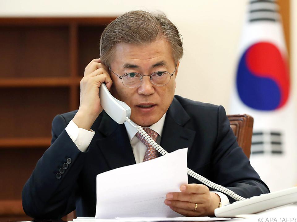 Südkoreas Präsident beim Telefonat mit seinem chinesischen Amtskollegen