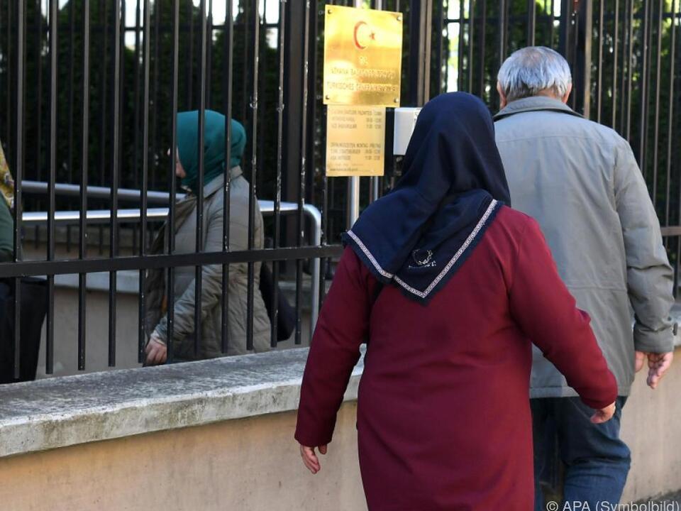 Viele Türken stimmten in Österreich ab