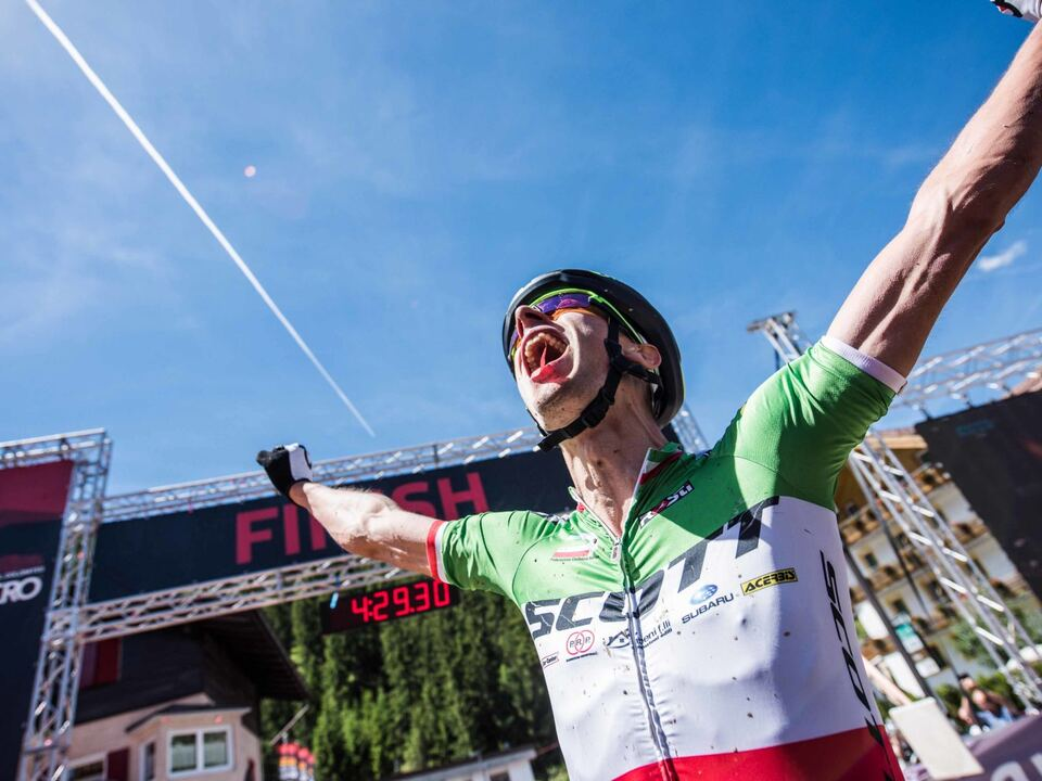 170617_hero_finish-winner_men_juri-ragnoli_ita