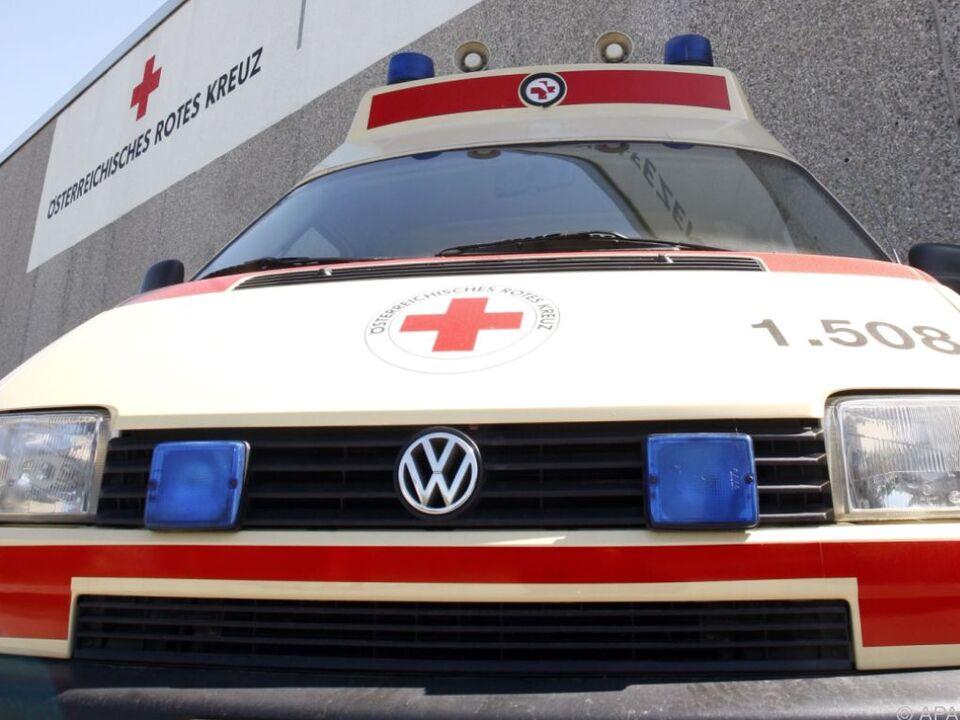 28-Jähriger wurde vom Roten Kreuz ins Spital gebracht